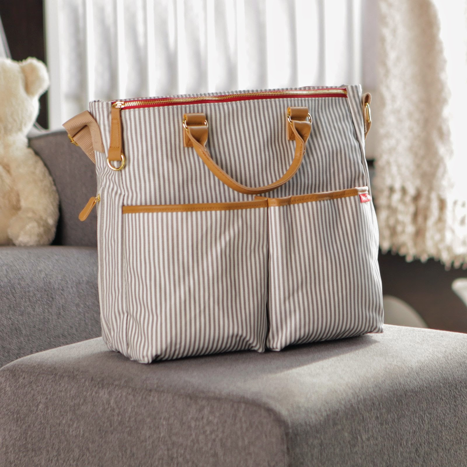53f0200ff35 Stylish Skip Hop Deluxe Diaper Bag   Life s Tiny Miracles